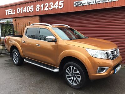 Nissan Navara Double Cab Pick Up Tekna 2.3dCi 190 4WD  Auto PLUS VAT Pick Up Diesel Yellow at Key Kars Doncaster