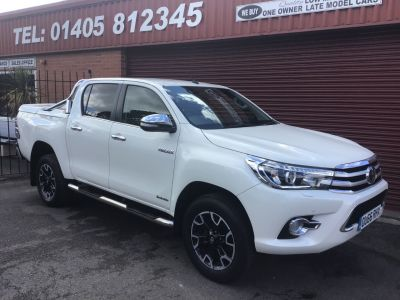 Toyota Hilux Invincible X D/Cab Pick Up 2.4 D-4D FITTED MOUNTAIN TOP AND ROLL BARS Pick Up Diesel White at Key Kars Doncaster
