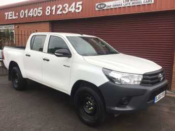 Toyota Hilux Active D/Cab Pick Up 2.4 D-4D Pick Up Diesel White at Key Kars Doncaster