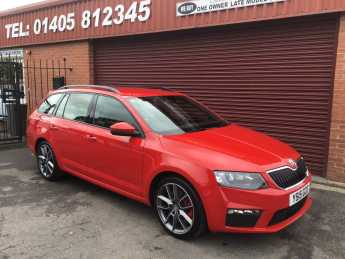 Skoda Octavia 2.0 TDI CR VRS 5dr ESTATE Estate Diesel Red at Key Kars Doncaster