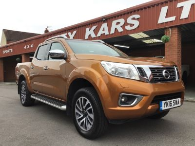 Nissan Navara Double Cab Pick Up Tekna 2.3dCi 190 MANUAL 4WD PLUS VAT Pick Up Diesel Yellow at Key Kars Doncaster