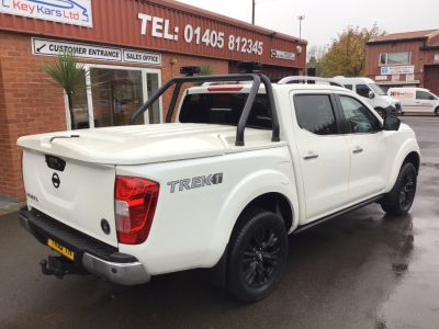 Nissan Navara Double Cab pick up Trek-1 2.3dCi 190 4WD Manual  NO VAT Pick Up Diesel White at Key Kars Doncaster