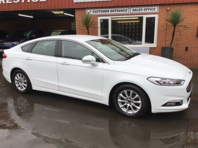 Ford Mondeo 2.0 tdi ZETEC ECONETIC Hatchback Diesel White at Key Kars Doncaster