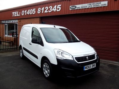 Peugeot Partner 850 1.6 HDi 92 Professional Van Panel Van Diesel White at Key Kars Doncaster