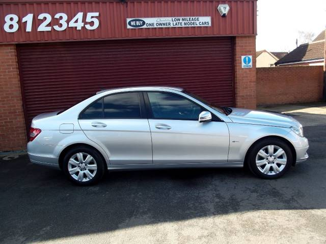 2011 Mercedes-Benz C Class 2.1 C220 CDI BlueEFFICIENCY Executive SE 4dr Auto