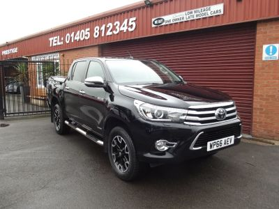 Toyota Hilux Invincible X D/Cab Pick Up 2.4 D-4D Auto FULL TOYOTA SERVICE HISTORY / FULL BLACK LEATHER Pick Up Diesel Black at Key Kars Doncaster