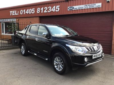 Mitsubishi L200 2.4 BARBARIAN DCB DI-D AUTO SPORTS BACK. PRICE IS PLUS VAT Pick Up Diesel Black at Key Kars Doncaster